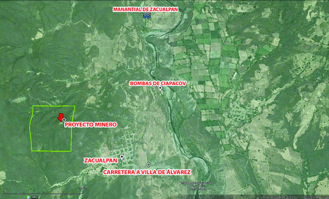 En este mapa rotulado por Diario de Colima, se muestra la distancia entre el pueblo, la mina y el manantial.