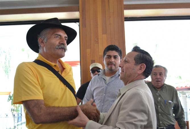 José Manuel Mireles, líder de las autodefensas michoacanas, manifestó su deseo porque el General Francisco Gallardo gane la gubernatura de Colima.