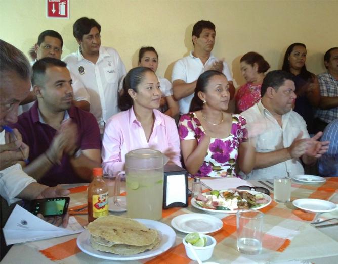 De izquierda a derecha: los diputados Orlando Lino, Yulenny Cortés y Gabriela Benavidez, así como el alcalde de Manzanillo Virgilio Mendoza.